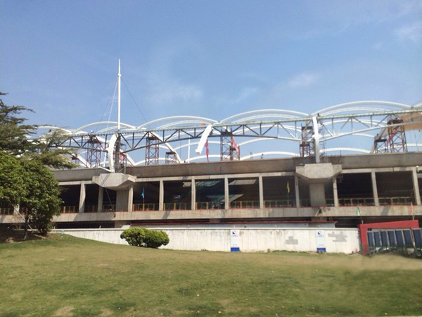16号线龙阳路站屋顶膜结构完工